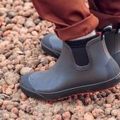 Мужские утепленные резиновые ботинки.