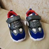 Сбор демисезонных кроссовок р.26-31 (фото 1 в наличии присоединяйтесь.Такие на рынке 350грн.)