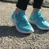 Женские летние кроссовки Nike в разных цветах