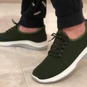 Мужские кроссовки. В наличии