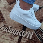 Сп Кроссовки белые, всегда в моде, быстрый сбор, мягенькие