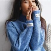 Мягкие приятные свитерки в одном размере